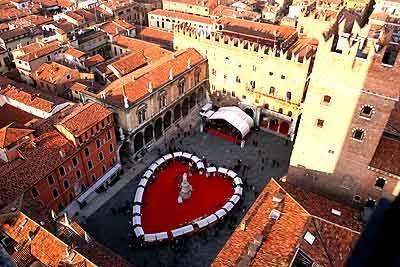 Dante Square, Verona
