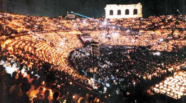 Arena de Verona, Opera