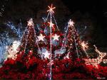 ♥我最爱christmas...看到闪闪的灯光。。这就满足了^^♥