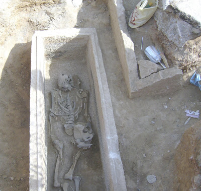 Τάφος του 4ου πΧ αιώνα στη Νέα Σμύρνη! - Σελίδα 2 HPIM4991α