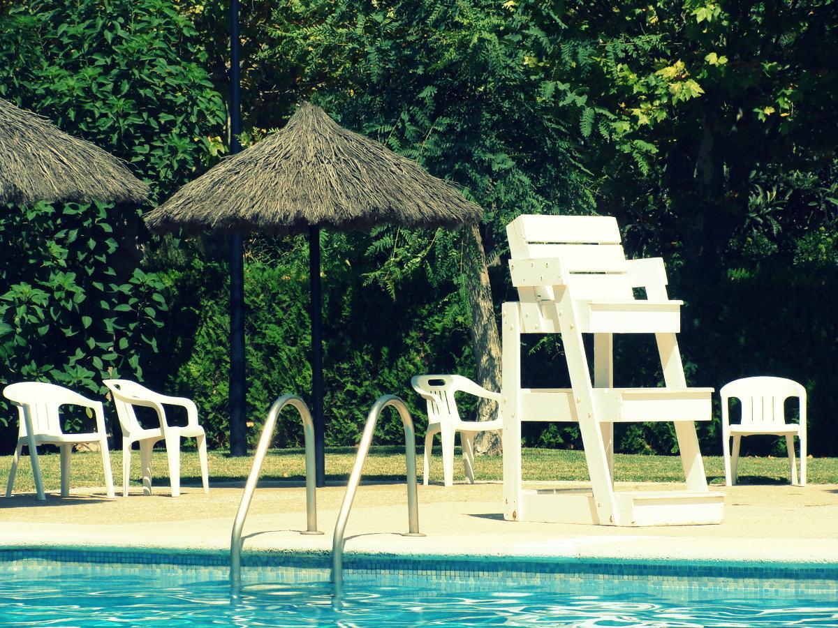 Sillas en la vuelta al mundo chairs in la vuelta al mundo for Sillas de piscina