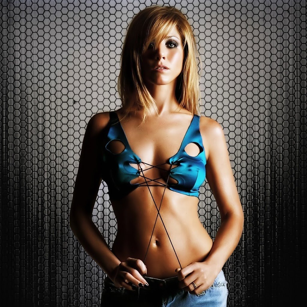 http://1.bp.blogspot.com/_9DRIQ9xf9U4/TA0edDOp_mI/AAAAAAAAAkg/2GwzCCgkkb8/s1600/female-celebrities-free-wallpapers003-Jennifer_Aniston_super.jpg