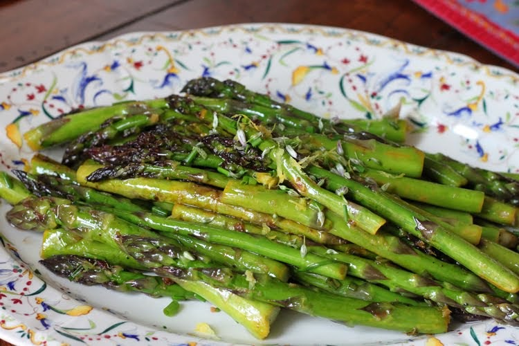 Almost Slowfood: Tasty Side: Asparagus with Chives and Lemon Zest