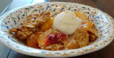 Almost Slowfood: Sweet Treat - Peach Crisp