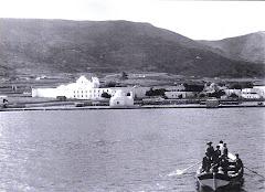 Αποβίβαση επιβατών με βάρκα το 1920