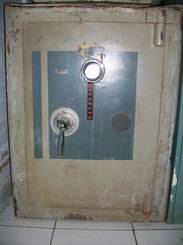 Bongkar dan  Perbaikan brandkas hilang kunci dan lupa Kode