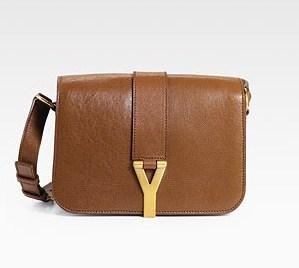Minimalist Accessorizing for Maximum Impact - Day Bags - une femme ...