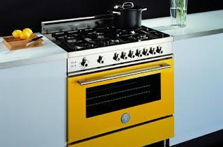 cocina-blanca-horno-amarillo-madrid-linea-3-cocinas