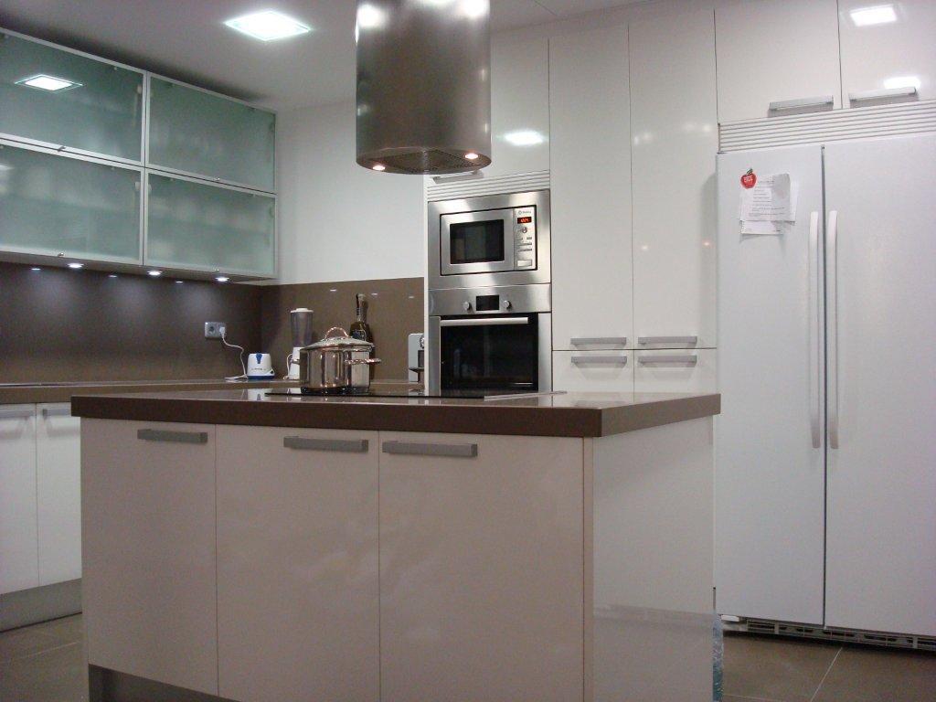 Dise o y decoraci n de cocinas cocina con peninsula una - Cocinas con peninsula ...