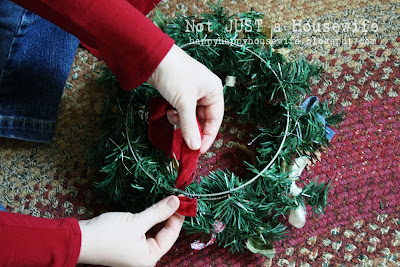 7 My 5 minute $1 Christmas Wreath