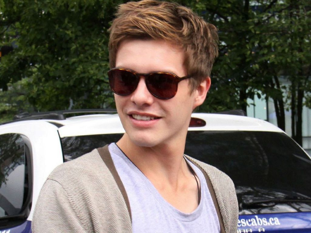 Xavier Samuel Wallpapers