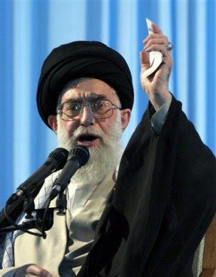 http://1.bp.blogspot.com/_9JC0v6ioeoU/Roxe7VK9a_I/AAAAAAAAA3E/v5htmga0Gkg/s400/Ayatollah_Ali_Khamenei.jpg