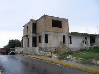 Back of Juan Gomez Chan's under-construction house on Isla Mujeres