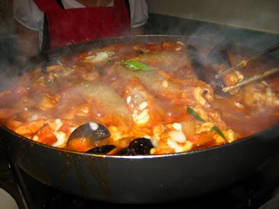 Makanan yang dihindari ketika sahur. Makanan yang tidak boleh dimakan / konsumsi saat sahur.