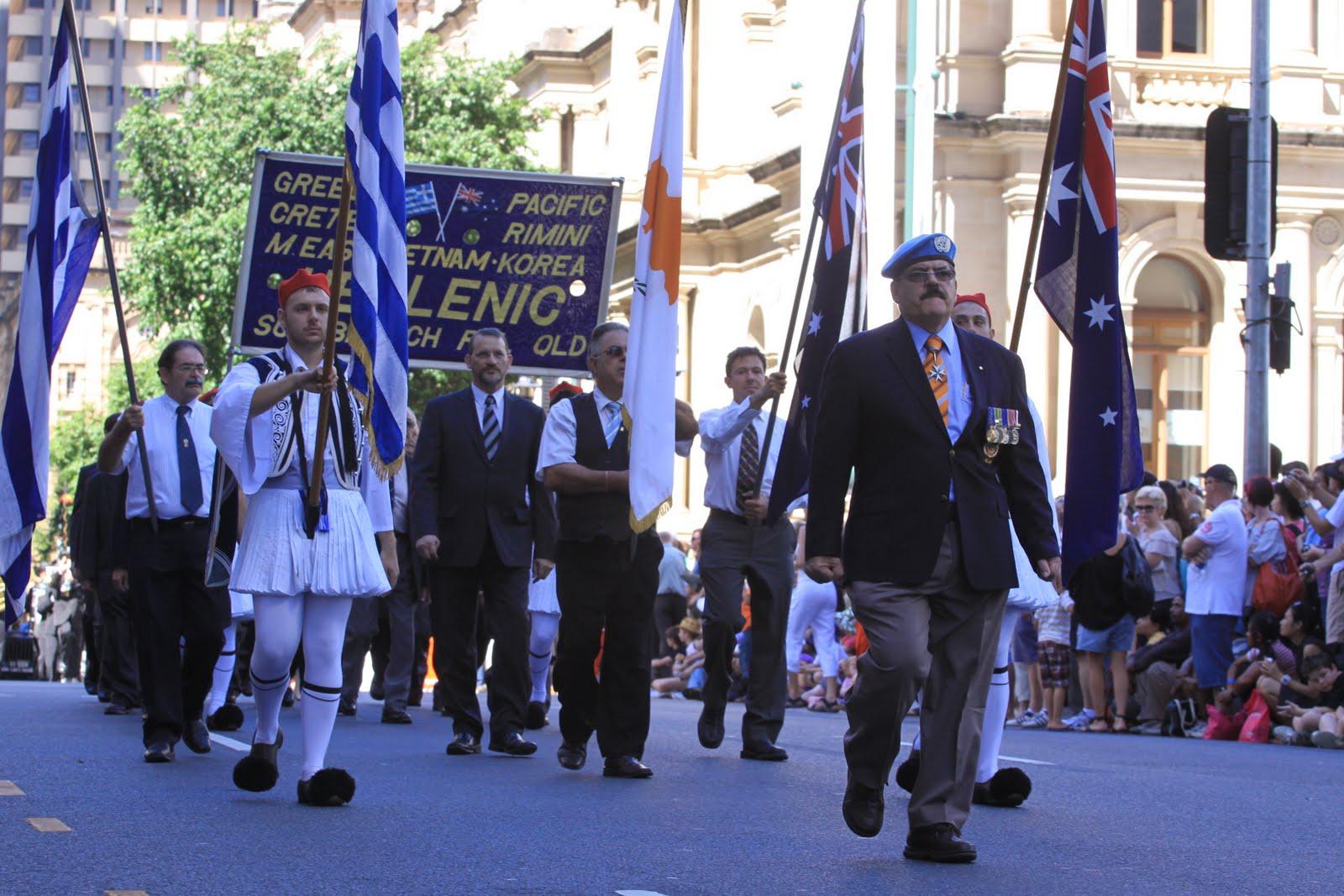 2010+anzac+parade+march...+158 Αυστραλία: Οι ΑΝΖΑC S και οι Έλληνες
