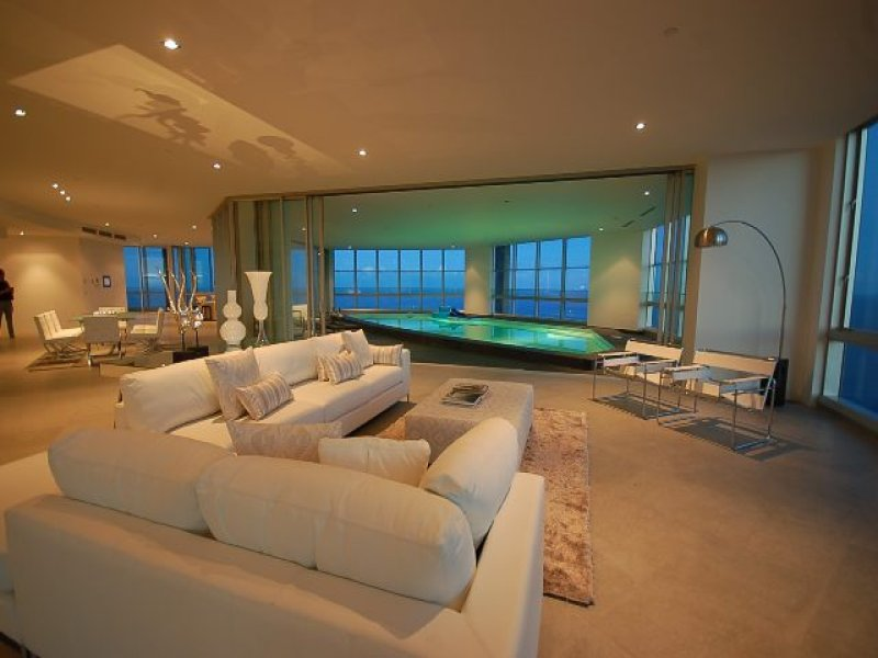 Penthouse With 13mtr Indoor Pool In The Sky