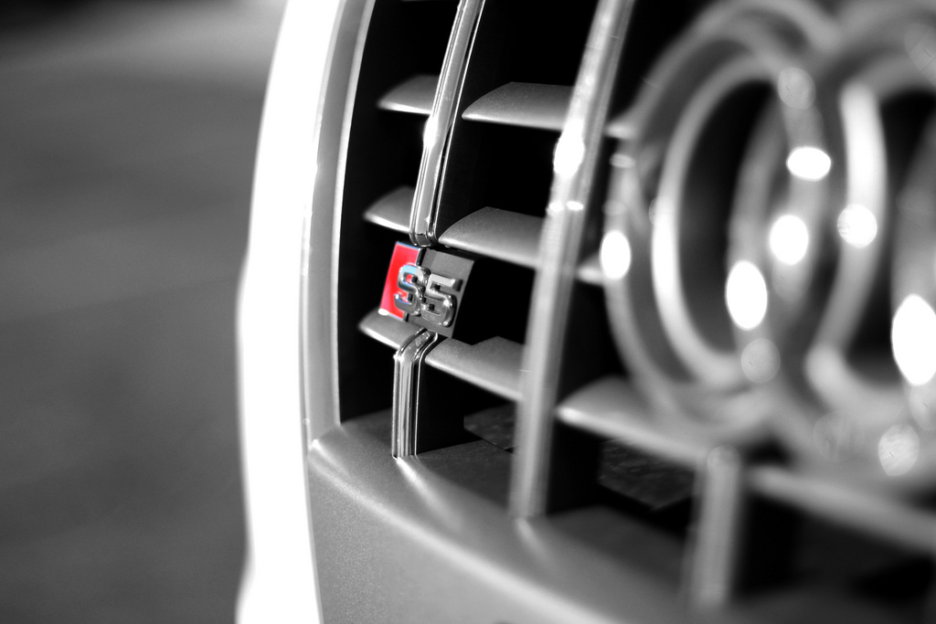 audi logo wallpaper side view