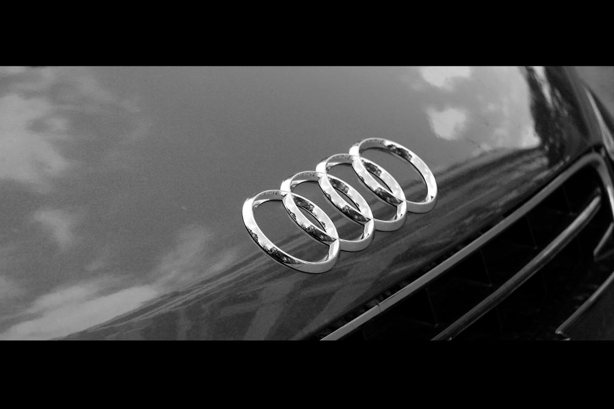 audi logo wallpaper black and white