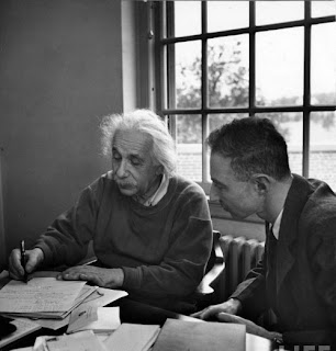 Albert Einstein study mechanical physics