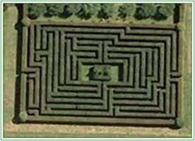 Hatfield House Maze