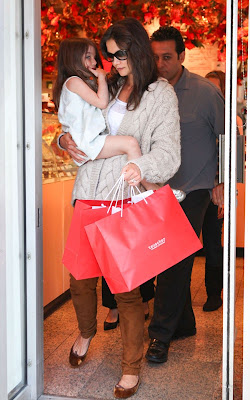 Katie Holmes, Suri Cruise, Entertainment