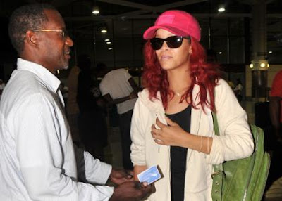 Rihanna arriving, Entertainment