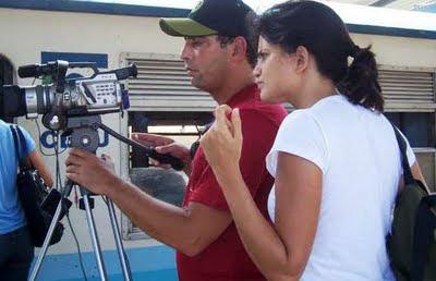 Ana Rosa e Arnold Ridel, na gravação do Bahia Assim para a TV Anísio Teixeira.