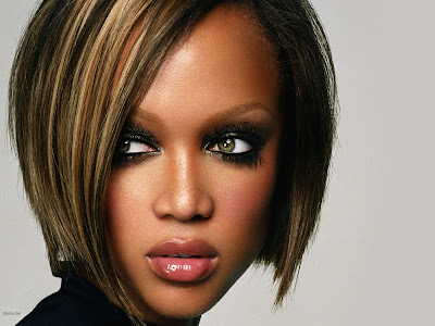 Tyra Banks Full Face Wallpaper