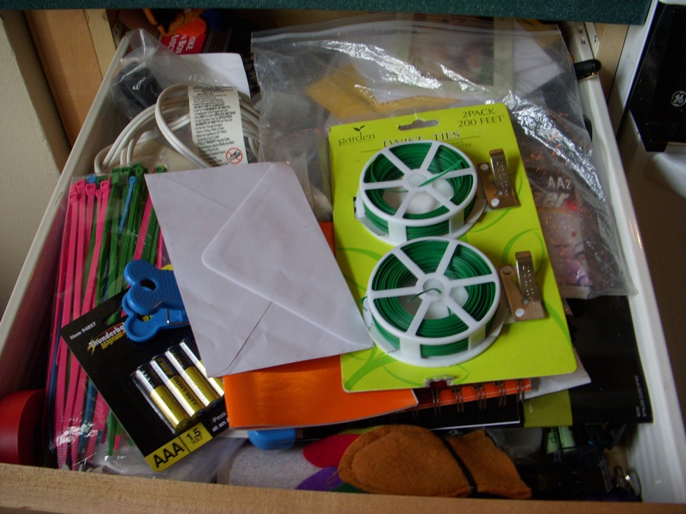 So not zen wherein the junk drawer freaks me out for Kitchen junk drawer