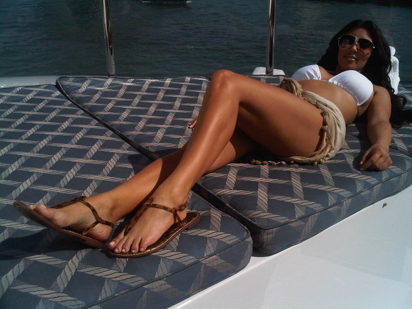 Kim Kardashian tweets Sexy Bikini Bod ~ Mind Relaxing Ideas