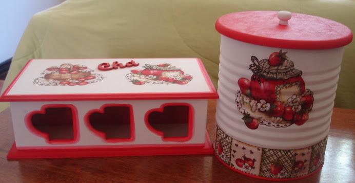Conjunto de Caixa de Chá e Lata Decorada