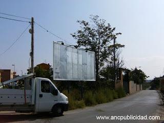 Valla publicitaria Lleida