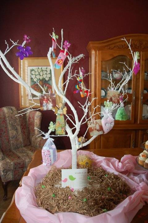 Event extras baby shower tree decorations for Baby shower decoration photos