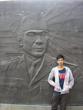 Yap, Soekarnoe is looking at me!