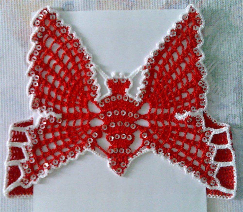 Kırmızı kelebek modelli kız bebek yelek modelleri örnekleri