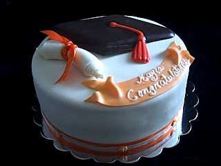 Beautiful Fondant Graduation Cake