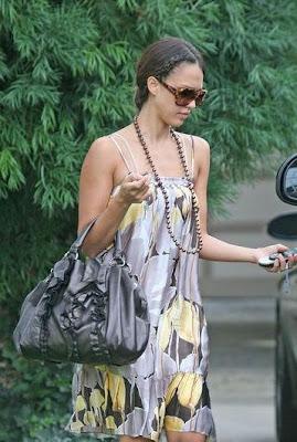 Jessica Alba hairstyle 2009