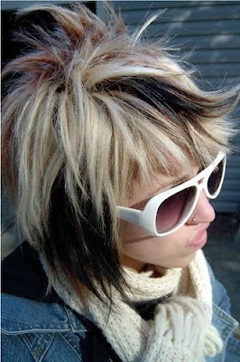 Fashion short Emo hairstyle for gals