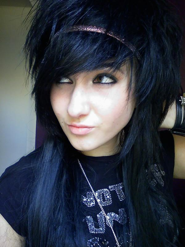 girls with scene hair