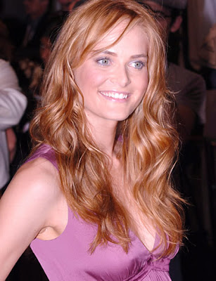 Long Center Part Hairstyles, Long Hairstyle 2011, Hairstyle 2011, New Long Hairstyle 2011, Celebrity Long Hairstyles 2310