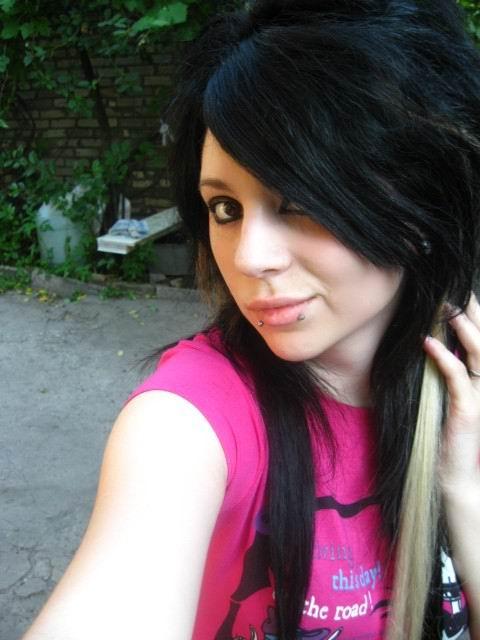 girl teen hairstyles. short scene girl hairstyles.