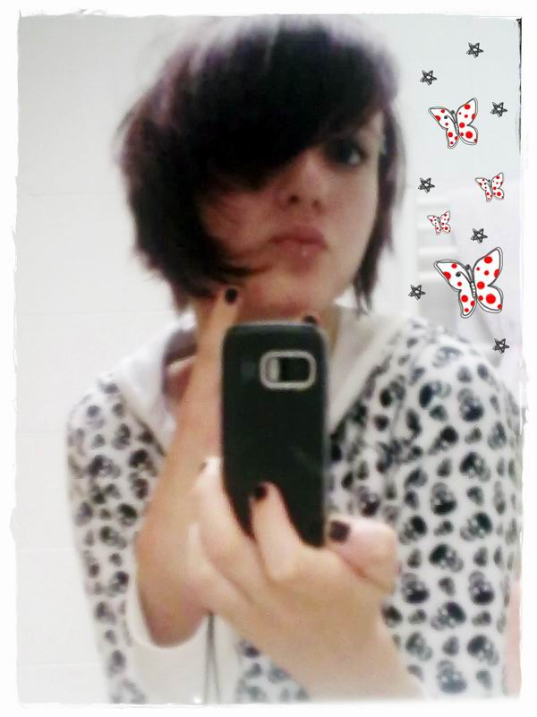 Cute Emo Girl picture
