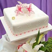 Bagi Anda penggermar White Chocolate, pastikan Cake ini hadir di ...