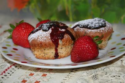 Articole culinare : Briose cu fructe de padure
