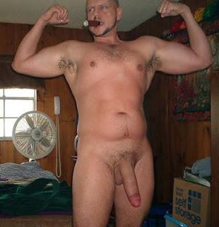 I sqeeze daddys cock