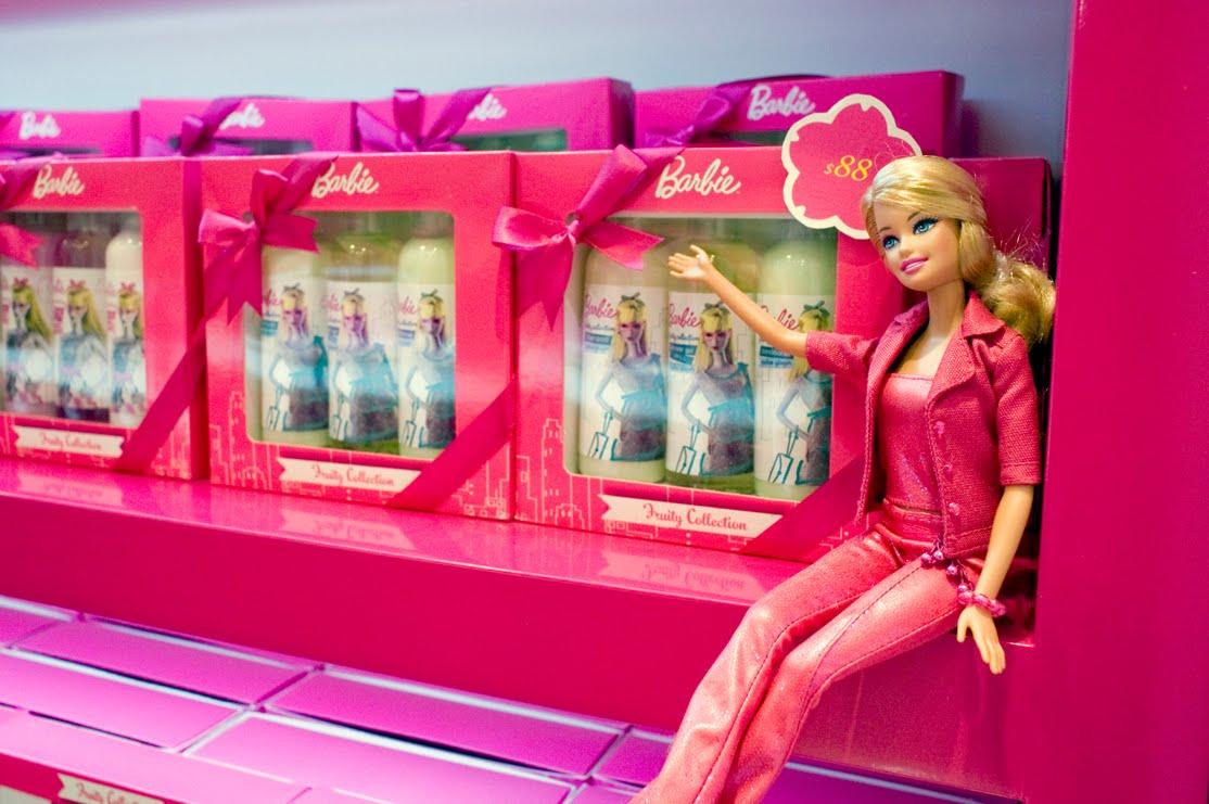 barbie beauty makeup nail 化妝品 美甲