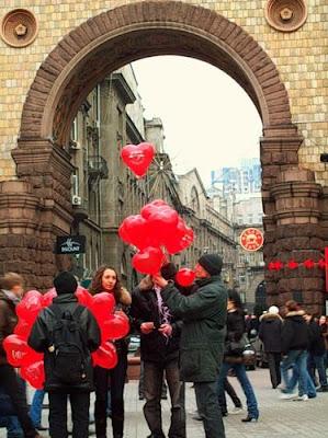 Торговля воздушными шарами на Крещатике