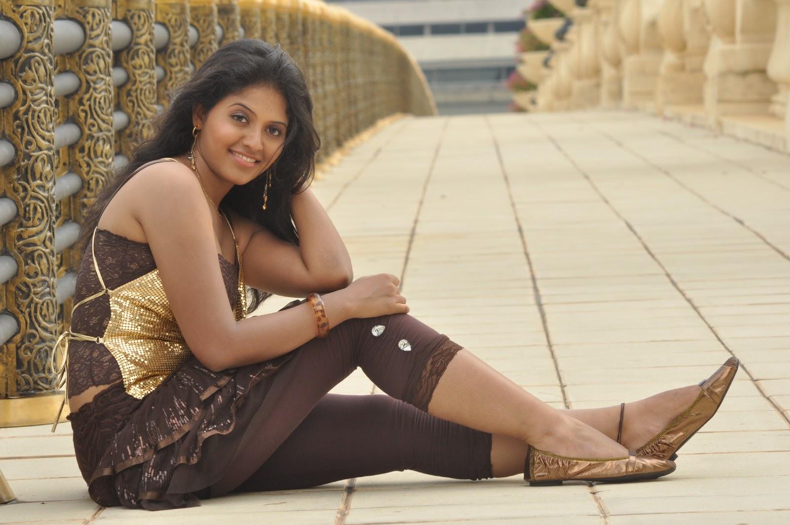 Anjali hot stills from maharaja tamil movie | South Actress