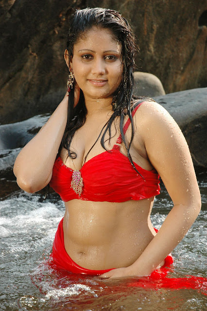 Actress Amrutha Valli Navel Show Photos