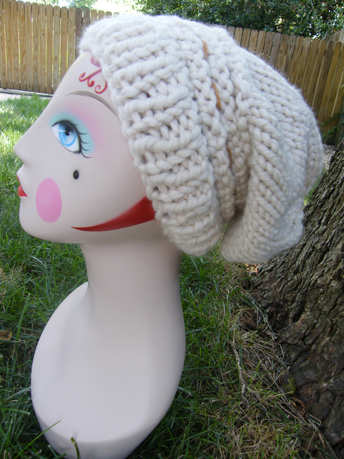 Knit 1 for the Road, a book, a blog, a lifestyle.: Roxys Slouch Hat Knit...